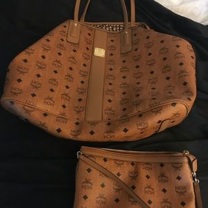 Large MCM Liz reversible shopper